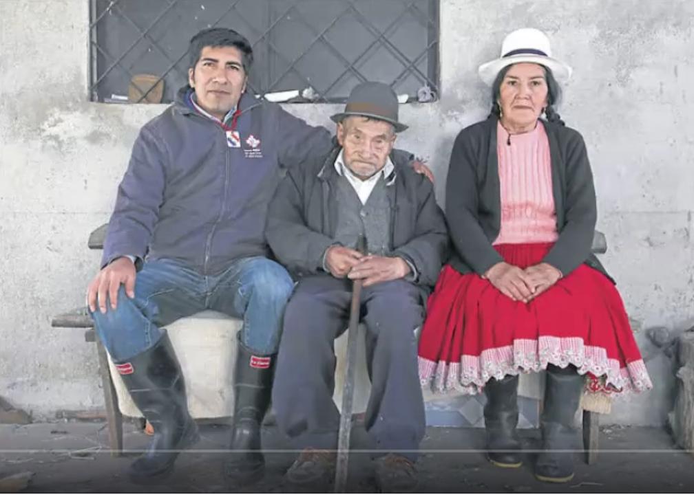 Yaku Pérez with his parents.